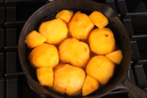 Peaches in the pan